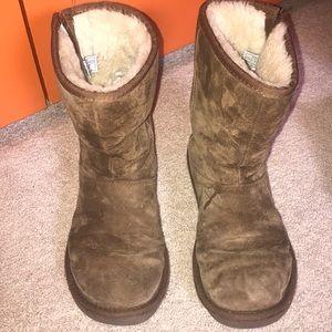 Zipper Ugg boots